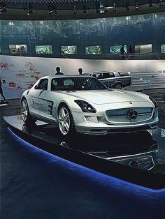 #Mercedes_Benz  #SLS_///AMG #Electric_Drive