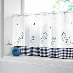 Kitchen Curtains Over Sink d\Window Treatment Kitchen Window Over Sink Country Curtains, Blue Curtains, Velvet Curtains, Curtains With Blinds, Cafe Curtains Kitchen, Bathroom Window Curtains, Kitchen Windows, Diy Design, Window Over Sink