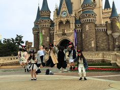 Travel tips for visiting Tokyo Disneyland. Read when to visit and what rides to see. Photos of Japanese school girls jumping at Cinderella's Castle. Popcorn Stand, Creative Communications, Visit Tokyo, The Cheshire, Thing 1, Cinderella Castle, Japanese School, Tokyo Disneyland, 1 Day