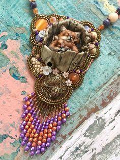 Een persoonlijke favoriet uit mijn Etsy shop https://www.etsy.com/nl/listing/537415686/foxes-in-log-necklace