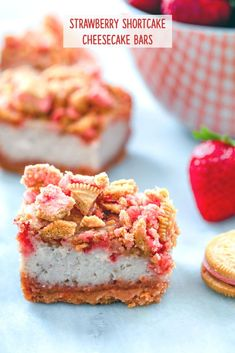 These Strawberry Shortcake Cheesecake Bars are a delicious summer dessert perfect for BBQs or summer parties. They're packed with fresh strawberries and have a Strawberry Shortcake Oreo crust and crumble on top! Strawberry Crunch Cake, Strawberry Shortcake Cheesecake, Homemade Strawberry Shortcake, Strawberry Dessert Recipes, Cheesecake Bars, Cheesecake Recipes, Cheesecake Cupcakes, Shortcake Cupcake Recipe, Baked Strawberries