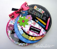 Silvia Scrap: Un mini album escolar reciclando CDs