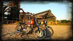 "Build not bought - The KlassikKustoms Bikes KK Honda CB250K4 ""GoldTracker"" KK Kawasaki Z400K4 ""FlatBrat"" KK Kawasaki Z440 Ltd ""LaneSplitter"" KK Honda CB350K4 ""MotorRausch"" Bike KK Honda CB350K4..."