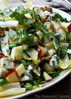 *Endive, Orange & Roquefort Salad* I like salads that taste good all year long. This salad is the perfect layering of sweet orange and tart apple, spicy Roquefort cheese, and peppery arugula. Easy Brunch Recipes, Healthy Recipes, Weeknight Recipes, Freshly Squeezed Orange Juice, Orange Salad, Soup And Salad, Food Network Recipes, Healthy Eating, Gourmet