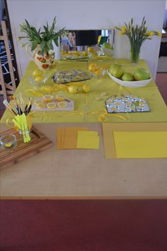 Our Reggio inspired yellow provocation created after our recent visit to the pre-schools of Reggio Emilia.