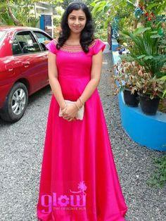 Pink gown Lehenga Gown, Anarkali Dress, Long Frocks For Girls, Frocks And Gowns, Long Dress Design, Long Formal Gowns, Sari Blouse Designs, Kurta Designs Women, Kurti Designs Party Wear