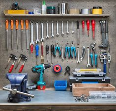 As hobbies and special projects grow, space in your home or garage can shrink. Expand your workshop horizons with personalized self storage. Woodworking Software, Woodworking Workshop, Woodworking Plans, Woodworking Projects, Woodworking Shop, Popular Woodworking, Woodworking Furniture, Wood Projects, Self Storage