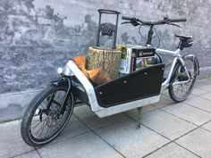 Mobile #kindlingcracker display #bullitt #cagobike Cargo Bike, Larry, Motorcycle, Display, Vehicles, Floor Space, Billboard, Biking, Motorcycles