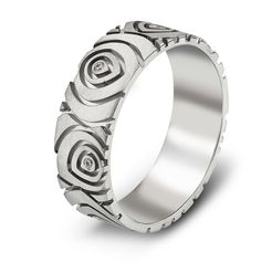 Offered here is a beautiful flower pattern 14K white gold diamond ring. Love this design on your finger!  Style 595A00G