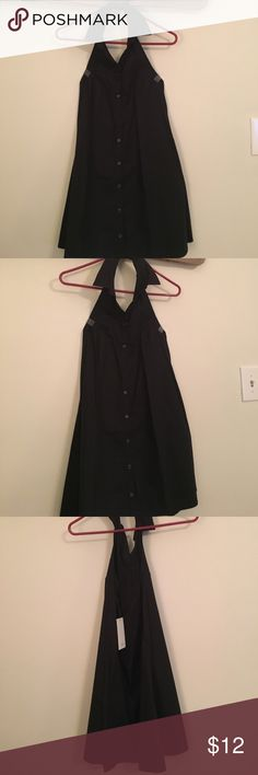 NWT Tobi Dress Tobi Dress, buttons up in the front , low cut back, halter, new , never worn Tobi Dresses