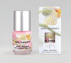 Pretty nail polish that nourishes your nails, yes please!