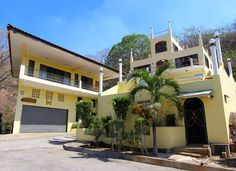 Delightful 3-Story Ocean View Home in Altos de Flamingo Gated Community