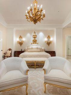 Une chambre hors du comum | décoration, chambre, bedroom. Plus d'idées sur http://www.bocadolobo.com/en/master-bedroom-collection/