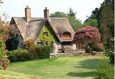 thatched roof cottages in ireland - Bing Images