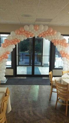nice balloon arch!!! I just need to learn how to make it........