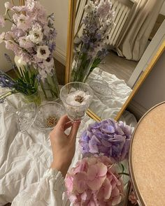 Classy Aesthetic, Purple Aesthetic, Aesthetic Vintage, Aesthetic Photo, Aesthetic Pictures, Lavender Aesthetic, Flower Aesthetic, Good Vibe, Princess Aesthetic