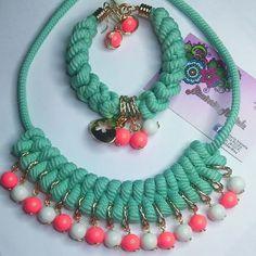 Hermoso collar trenzado con piedras de colores y cadena, pulsera combinada con macrame y zarcillos que completan la combinación. . #cadena #collar #maxicollar # Trenzado #macrame #piedras #pedreria #bisuteria #BisuteriaMariela #hilotpc #argollas #Pulsera #dijes #zarcillos #Jewerlycostume #Brazalete #Accesorios #Earring #EnVenta #envenezuela #Disponible #venta #artesania #manualidades #DIY #pedidos #materialdecalidad #calidad  Sigan a: @maribisut  @maribisut  @maribisut @maribisut @maribis...