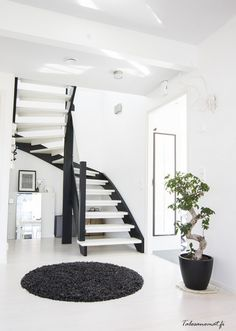 Black and white stairs interiors 50 ideas Interior, Home, Black And White Stairs, House Styles, House Interior, Inside A House, White Stairs, Stairs Design, Stairs