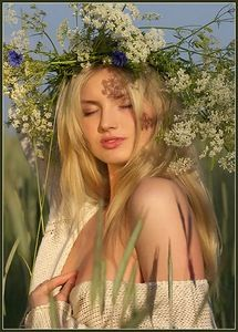 A beautiful image that embodies the qualities of Litha/Midsummer - June Selfies Poses, Summer Solstice, Happy Solstice, Grunge Hair, Girl Face, Pagan, Wicca, Magick, Her Hair