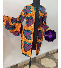 ankara stil African fashion has a lot of clothing styles for anyone to freestyle if you are in fashion mood. Many clothing styles have dominated African fashion scene. Among them are Ankara, Asoebi Ankara Dress Styles, African Fashion Ankara, Latest African Fashion Dresses, African Dresses For Women, African Print Fashion, Africa Fashion, African Attire, African Prints, Mode Kimono