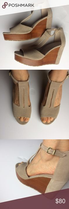 NEW Kenneth Cole New York platform sandals. NEW Kenneth Cole New York platform sandals. Size 8,5 Kenneth Cole Shoes