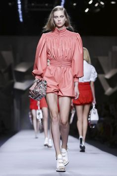 Fendi Ready To Wear Spring Summer 2016 Milan - NOWFASHION
