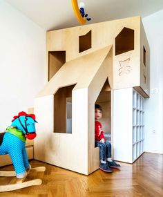 Small kids bed this custom modern plywood bunk bed design in a small kids bedroom houses . Custom Bunk Beds, Cool Bunk Beds, Kids Bunk Beds, Small Kids Bed, Small Beds, Small Rooms, Small Room Bedroom, Kids Bedroom, Bedroom Ideas For Couples Romantic
