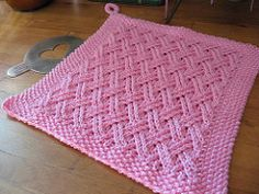 Cloth shown is knit with Sugar N Cream worsted weight kitchen cotton yarn., shown is knit with Sugar N Cream worsted weight kitchen cotton yarn. Knitted Dishcloth Patterns Free, Knitted Washcloths, Crochet Dishcloths, Knitting Patterns Free, Crochet Patterns, Loom Patterns, Stitch Patterns, Free Pattern, Knit Crochet