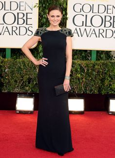 Emily Deschanel wows in Badgley Mischka! I love the embellishments on the shoulders. Very intricate!