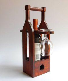 Wine Caddy, Wein- und Glashalter, Wine and Glass Caddy. Wine Bottle Glass Holder, Wood Wine Racks, Wine Glass Holder, Bottle Holders, Support Mobile, Diy Wooden Projects, Wine Caddy, Wine Carrier, Bottle Carrier