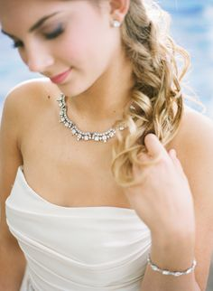 How+To+Choose+Your+Wedding+Day+Jewelry++via+TheELD.com