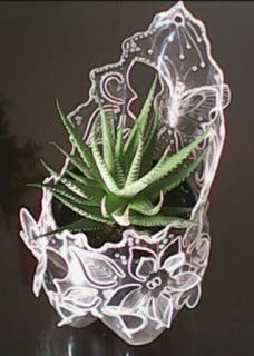 Plastic bottles: 42 fantastic proposals for artistic recycling. Reuse Plastic Bottles, Plastic Bottle Flowers, Plastic Recycling, Plastic Bottle Crafts, Recycled Bottles, Recycled Crafts, Crafts To Make, Diy Crafts, Diy Recycle