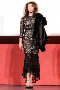 FOTO © Federico Treggiari Capitano in passerella con Miss Italia Agenzia di moda e spettacolo: http://www.carlifashionagency.com/