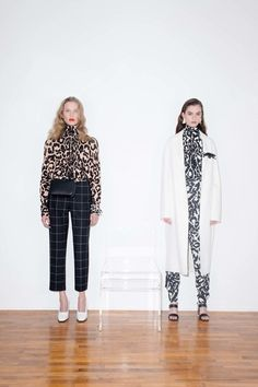 The complete Krizia Pre-Fall 2018 fashion show now on Vogue Runway.