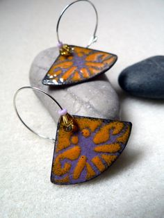 Enamel earrings - Rounded triangle Purple and yellow Dragonfly