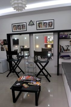 Small Make Up Studio Ideas