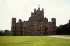 Downton Abbey, Stone-Cobbled London & The Rolling Hills of Tuscany - Roost - Roost: A Simple Life Downton Abbey Castle, Places To Travel, Places To See, Tours Of England, Medieval, Castles In England, World Travel Guide, Ultimate Travel, Beautiful Buildings