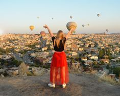 Hot air balloon sunrise from Sunset Point in Goreme, Cappadocia. One of the best places to visit in Turkey. Beautiful Horses, Most Beautiful, Famous Fairies, Sunset Point, Visit Turkey, Before Sunrise, Turkey Travel, Cappadocia, Great View
