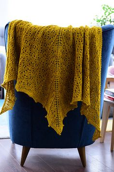 Ravelry: Danae Shawl pattern by Zsuzsanna Orthodoxou Shawl Patterns, Knitting Patterns, Knitting Projects, Crochet Projects, How To Purl Knit, Loom Weaving, Knit Or Crochet, Knitted Shawls, Shawls And Wraps