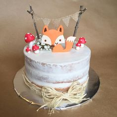 Foxy woodland baby shower cake 🦊🐾🍄 Foxy woodland b Baby Shower Cakes For Boys, Boy Baby Shower Themes, Baby Shower Cookies, Shower Baby, Simple Baby Shower Cakes, Baby Showers, Girl Cupcakes, Themed Cupcakes, Aperitivos Para Baby Shower