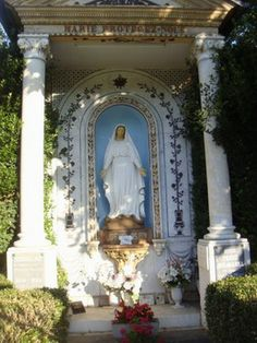 Vierge de MESPLAS à sengouagnet Character Home, Virgos