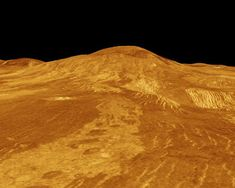 Venus' surface - This image features Sif Mons, a 2 km mile) high volcano with a diameter of 300 km miles). The lava flow in the foreground extends for hundreds of kilometres Venus Facts, Planeta Venus, Planets And Moons, Lava Flow, Space And Astronomy, Solar System, Geology, Cosmos, Volcano