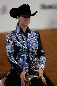 Beautiful crystal cut show blouse! Western Show Shirts, Western Show Clothes, Horse Show Clothes, Equestrian Outfits, Equestrian Style, Western Outfits, Sexy Cowgirl, Cowgirl Style, Western Riding