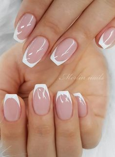 Beautiful Glittering Short Pink Nails Art Designs Idea For Summer And Spring - Lily Fashion Style Short Pink Nails, Eyebrow Makeup Tips, Manicure Colors, Pink Nail Art, Gradient Nails, Hand Shapes, Basic Style, How Beautiful, Nail Art Designs