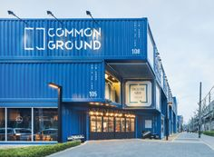Common Ground: world's largest shipping container shopping mall pops up in Seoul Container Homes For Sale, Container Shop, Container Cabin, Container House Design, Cargo Container, Container Architecture, Container Buildings, Architecture Design, Shipping Container Design