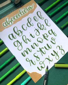 Bullet Journal Hand Lettering, Bullet Journal Banner, Bullet Journal Notes, Bullet Journal Ideas Pages, Art Journal Pages, Hand Lettering Styles, Hand Lettering Alphabet, Brush Lettering, Typography Letters