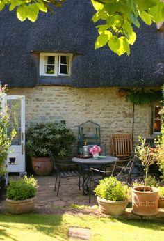 The swenglish home front flower beds, english country gardens, english coun English Country Cottages, English Country Gardens, English Countryside, Cottage Interiors, Cottage Homes, Cottage Gardens, Patio Balcony Ideas, Patio Ideas, Backyard Ideas