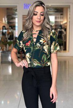 Hijab Fashion, Fashion 101, Fashion Looks, Fashion Outfits, Womens Fashion, Blouse Styles, Blouse Designs, Business Outfits Women, Iranian Women Fashion