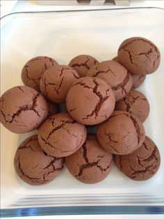 Coccole alla Nutella (ricetta dolce) ice these cookies with icing Biscotti Biscuits, Biscotti Cookies, Nutella Cookies, Galletas Cookies, Cake Cookies, Italian Cookies, Italian Desserts, Mini Desserts, Italian Recipes