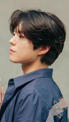 박보검 TNGT x 제너럴 아이디어 비하인드 컷 180418 [ 출처 : 막찜 ] Asian Actors, Korean Actors, Short Hair Cuts, Short Hair Styles, Park Bo Gum Wallpaper, Korean Men Hairstyle, Park Go Bum, Korean Celebrities, Haircuts For Men